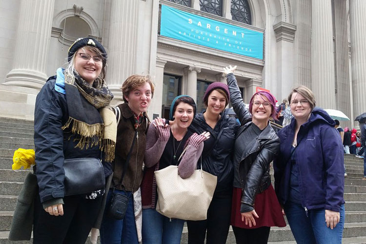 Photo of students at art museum in New York