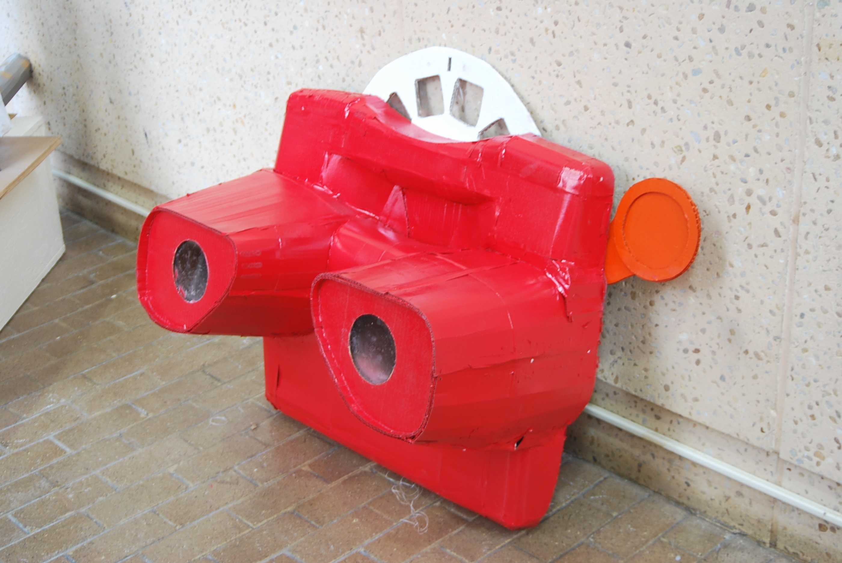 Larger than life View Master, a Foundations II project